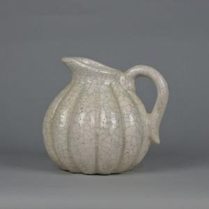 Jug Relief Mini Crackle White